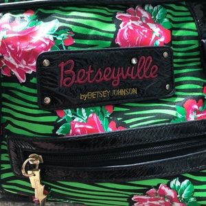 Betsey Johnson Roller Luggage